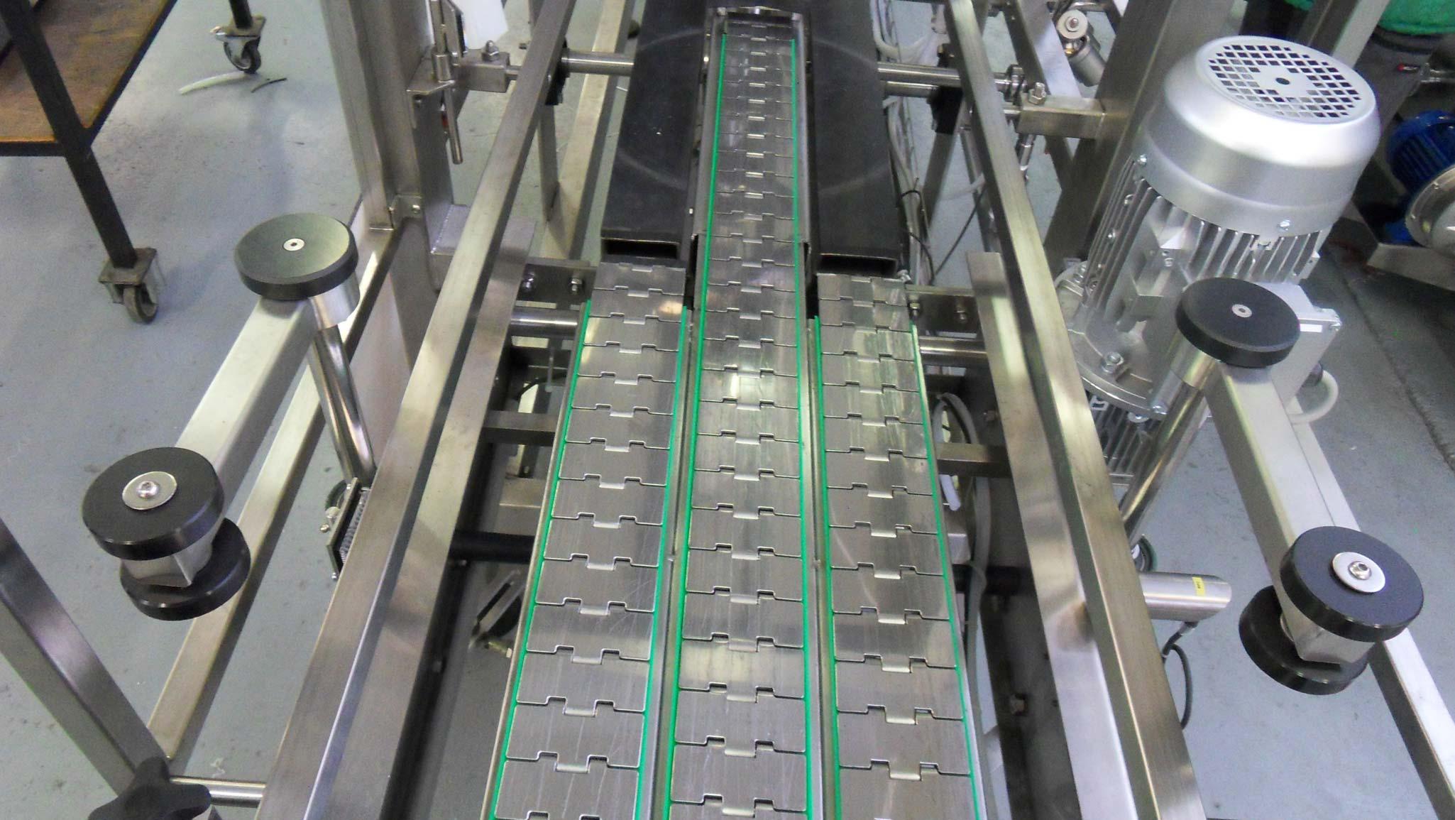 b-r-a-modular-keg-line--chain-conveyer